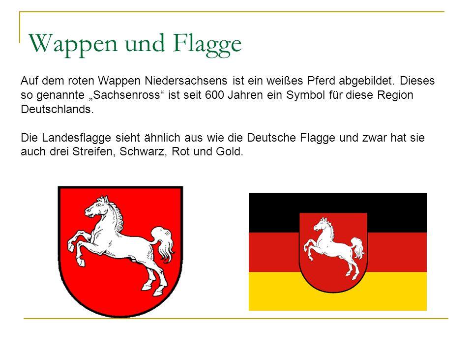 """Wappen und Flagge Auf dem roten Wappen Niedersachsens ist ein weißes Pferd abgebildet. Dieses so genannte """"Sachsenross"""" ist seit 600 Jahren ein Symbol"""