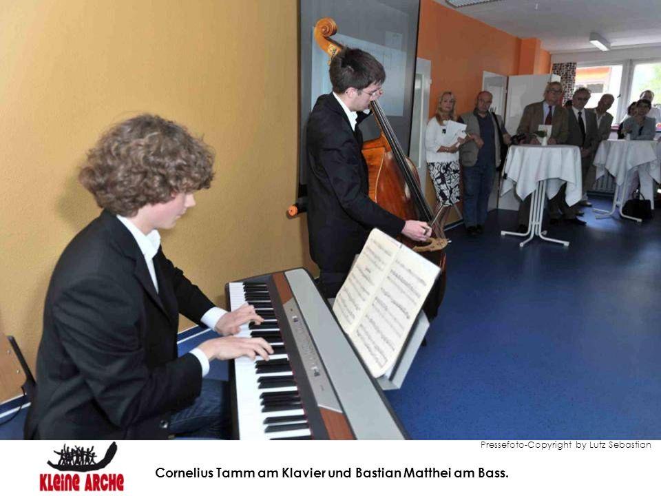 Pressefoto-Copyright by Lutz Sebastian Cornelius Tamm am Klavier und Bastian Matthei am Bass.