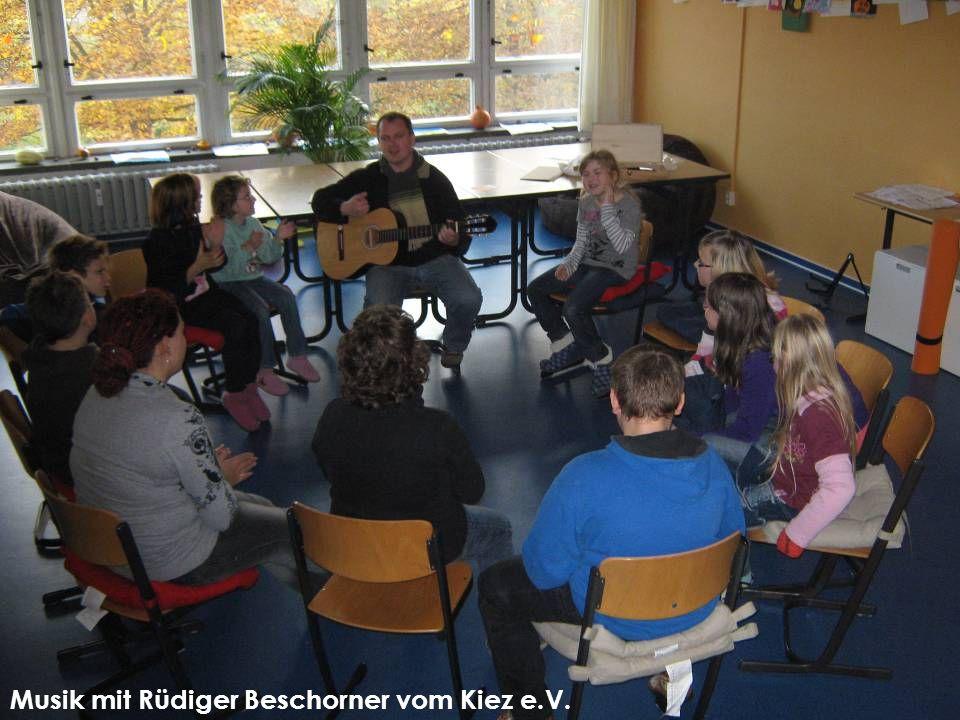 Musik mit Rüdiger Beschorner vom Kiez e.V.