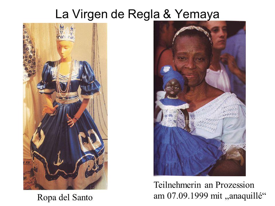 """La Virgen de Regla & Yemaya Ropa del Santo Teilnehmerin an Prozession am 07.09.1999 mit """"anaquillé"""