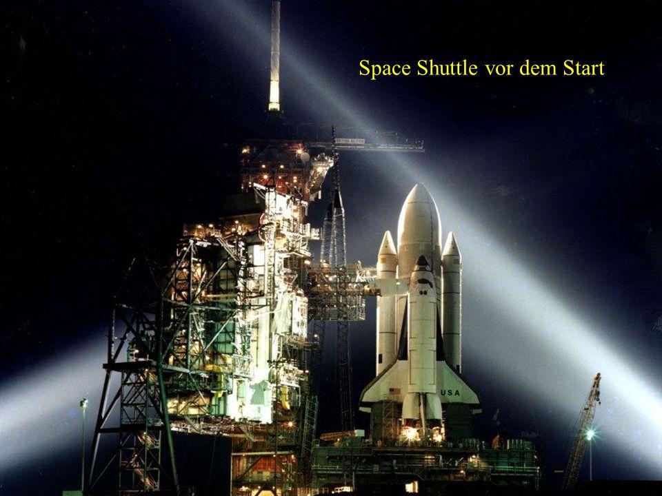 Space Shuttle auf der Rampe