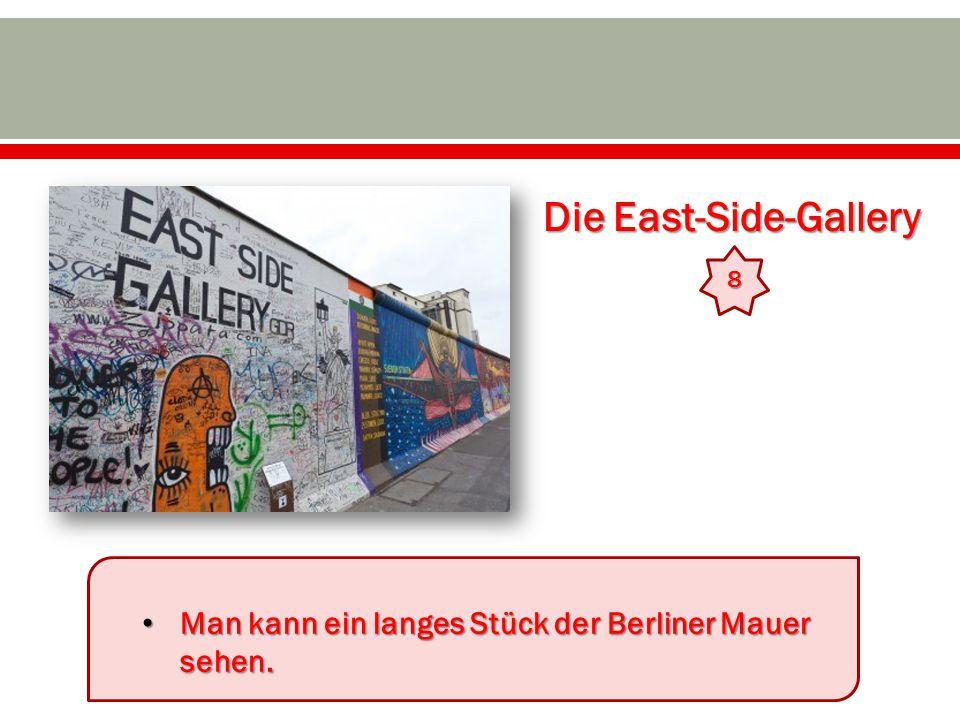 Die East-Side-Gallery 8 Man kann ein langes Stück der Berliner Mauer sehen.