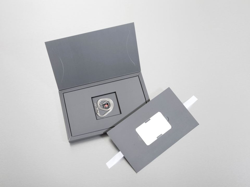 Halskette und Teelicht-Charm in 925er Sterling Silber für Damen.
