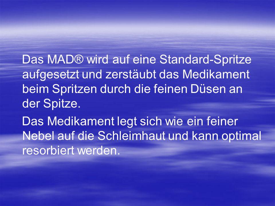 Das MAD® wird auf eine Standard-Spritze aufgesetzt und zerstäubt das Medikament beim Spritzen durch die feinen Düsen an der Spitze. Das Medikament leg