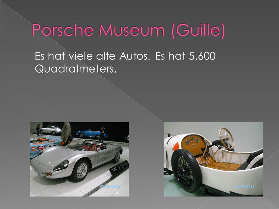 Es hat viele alte Autos. Es hat 5.600 Quadratmeters.