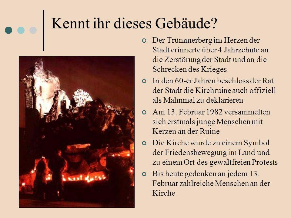 Der Trümmerberg im Herzen der Stadt erinnerte über 4 Jahrzehnte an die Zerstörung der Stadt und an die Schrecken des Krieges In den 60-er Jahren beschloss der Rat der Stadt die Kirchruine auch offiziell als Mahnmal zu deklarieren Am 13.
