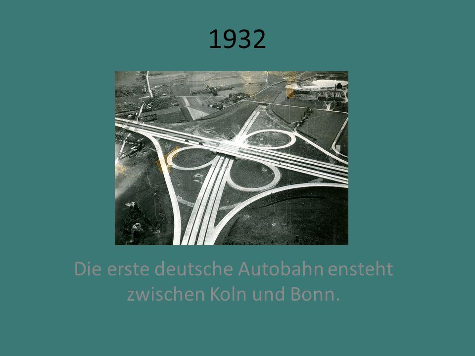 1940-1945 Zahlreiche Bombenangriffe zerstoren uber 90% der Innenstadt.