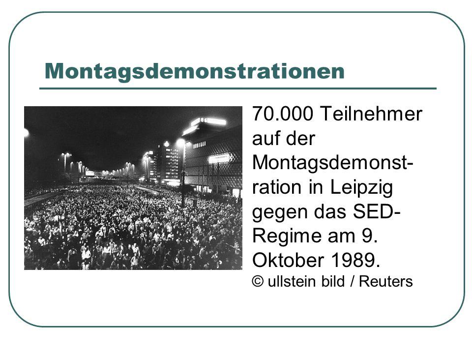 Montagsdemonstrationen 70.000 Teilnehmer auf der Montagsdemonst- ration in Leipzig gegen das SED- Regime am 9. Oktober 1989. © ullstein bild / Reuters