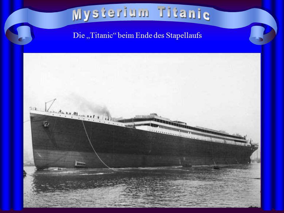 """Die """"Titanic"""" beim Ende des Stapellaufs"""