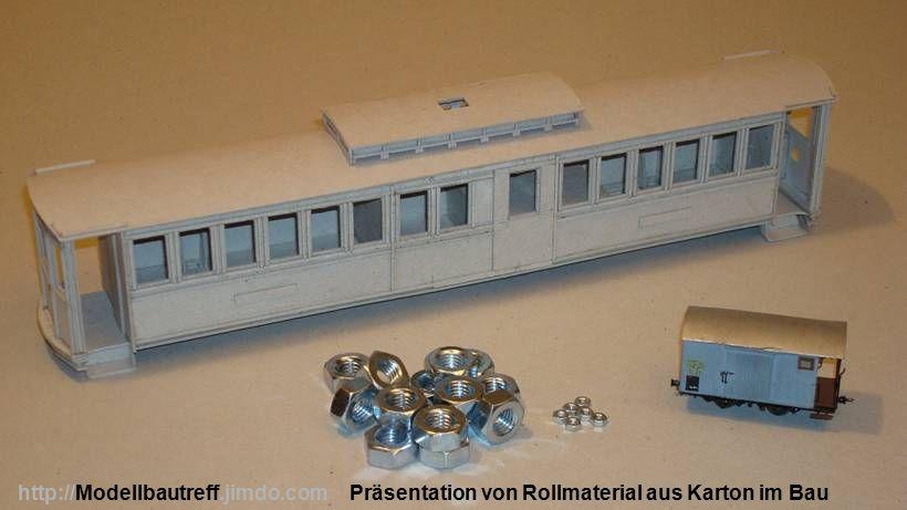 Präsentation von Rollmaterial aus Karton im Bauhttp://Modellbautreff.jimdo.com