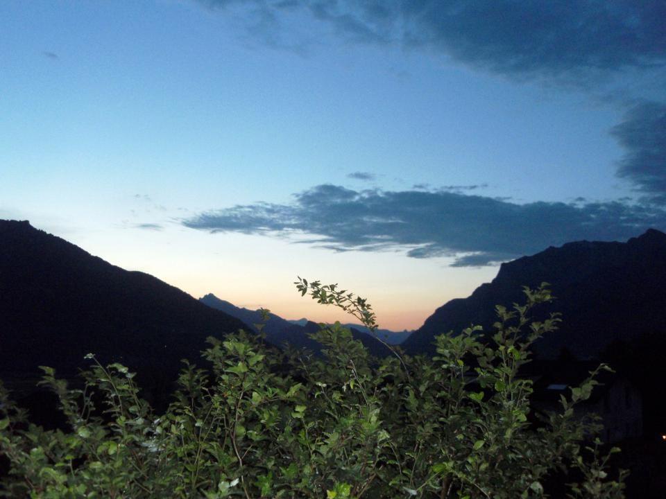 Wolken, ein Spiegel von Leichtigkeit, der Unberührtheit, Jungfräulichkeit, als weiche, zarte, flauschige Federpölsterchen dahinschwebend.