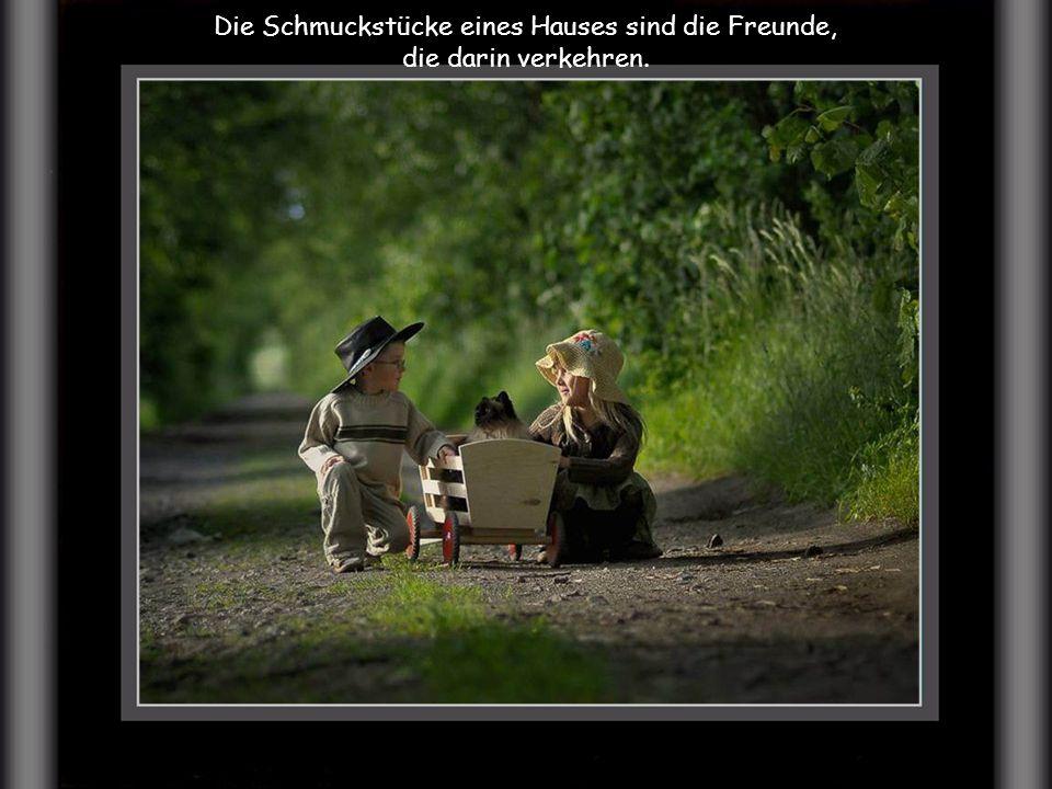 Ein bisschen Freundschaft ist mehr wert, als die Bewunderung der ganzen Welt.