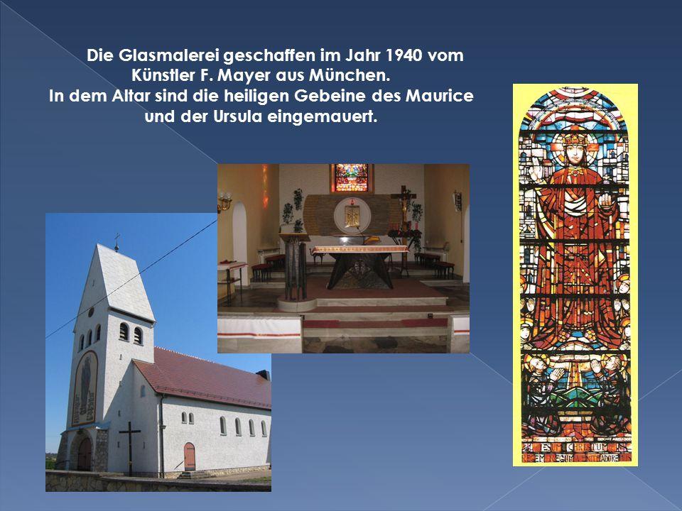 Die Glasmalerei geschaffen im Jahr 1940 vom Künstler F.