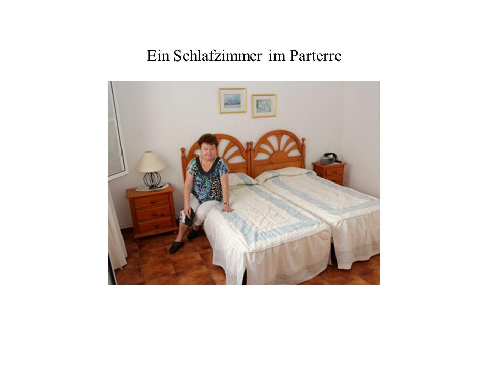 Patio (Innenhof) zwischen Wohnzimmer, den zwei Schlafzimmern und dem angrenzenden Reihenhaus