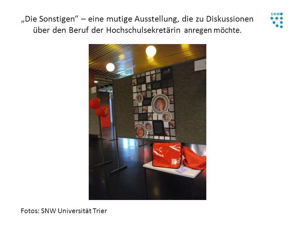 """""""Die Sonstigen"""" – eine mutige Ausstellung, die zu Diskussionen über den Beruf der Hochschulsekretärin anregen möchte. Fotos: SNW Universität Trier"""