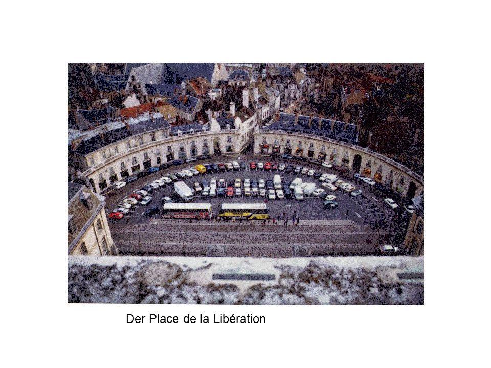 Der Place de la Libération