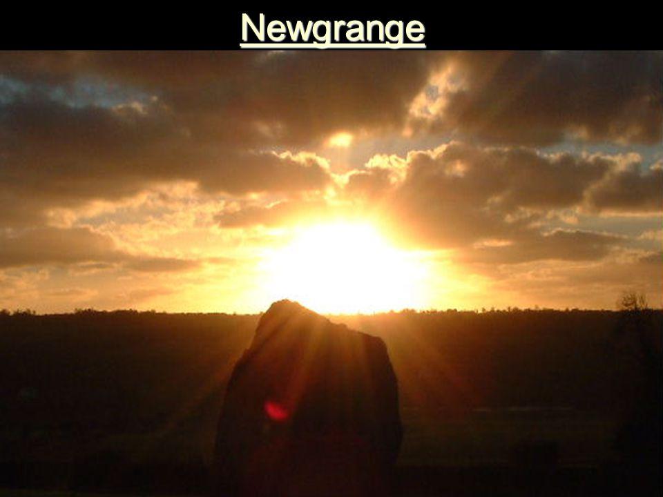 Newgrange 3150 v. Chr. Newgrange 3150 v. Chr.