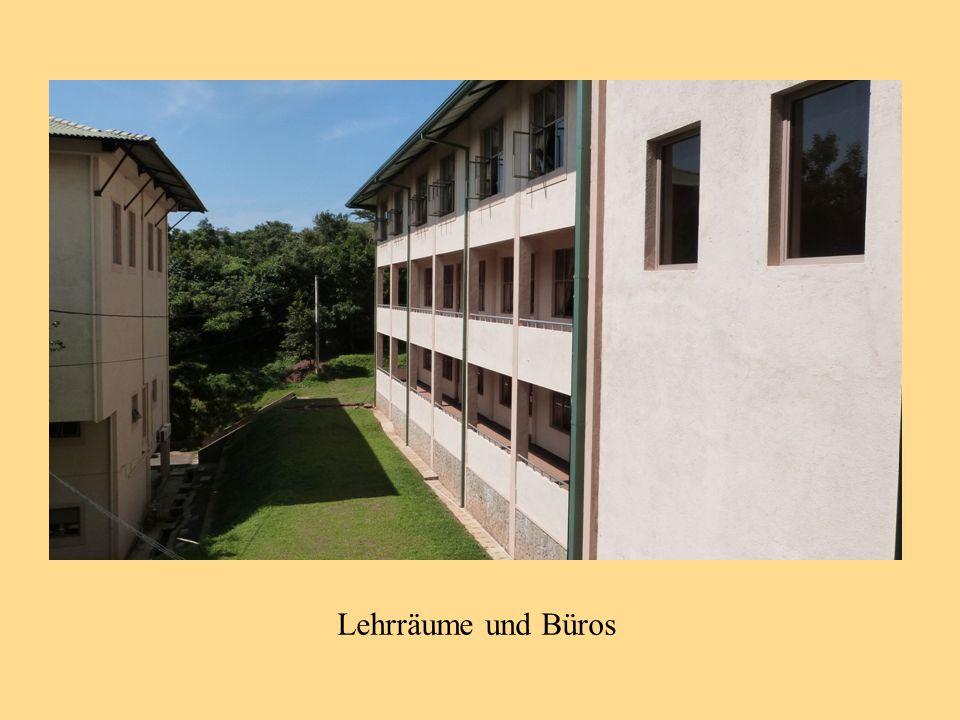 Lehrräume und Büros