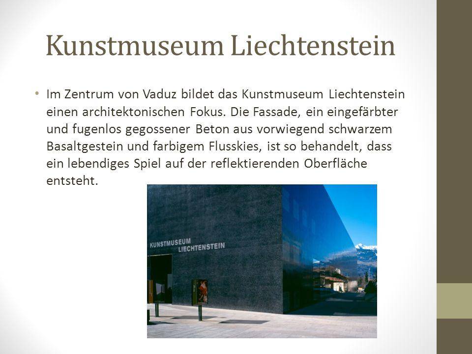 Schloss Vaduz Heute wird davon ausgegangen, dass die ersten Gebäudeteile im 12. Jhd. erbaut worden sind. Der Bergfried wurde wahrscheinlich als einer
