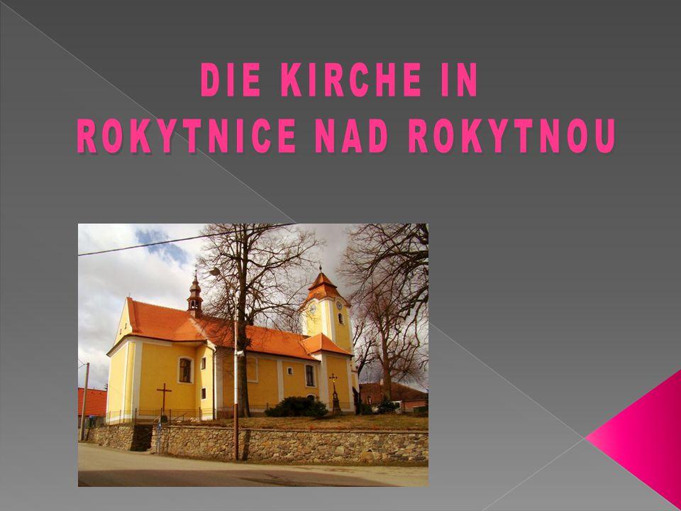  Die Pfarrkirche St.Johannes der Täufer befindet sich in Rokytnice nad Rokytnou.