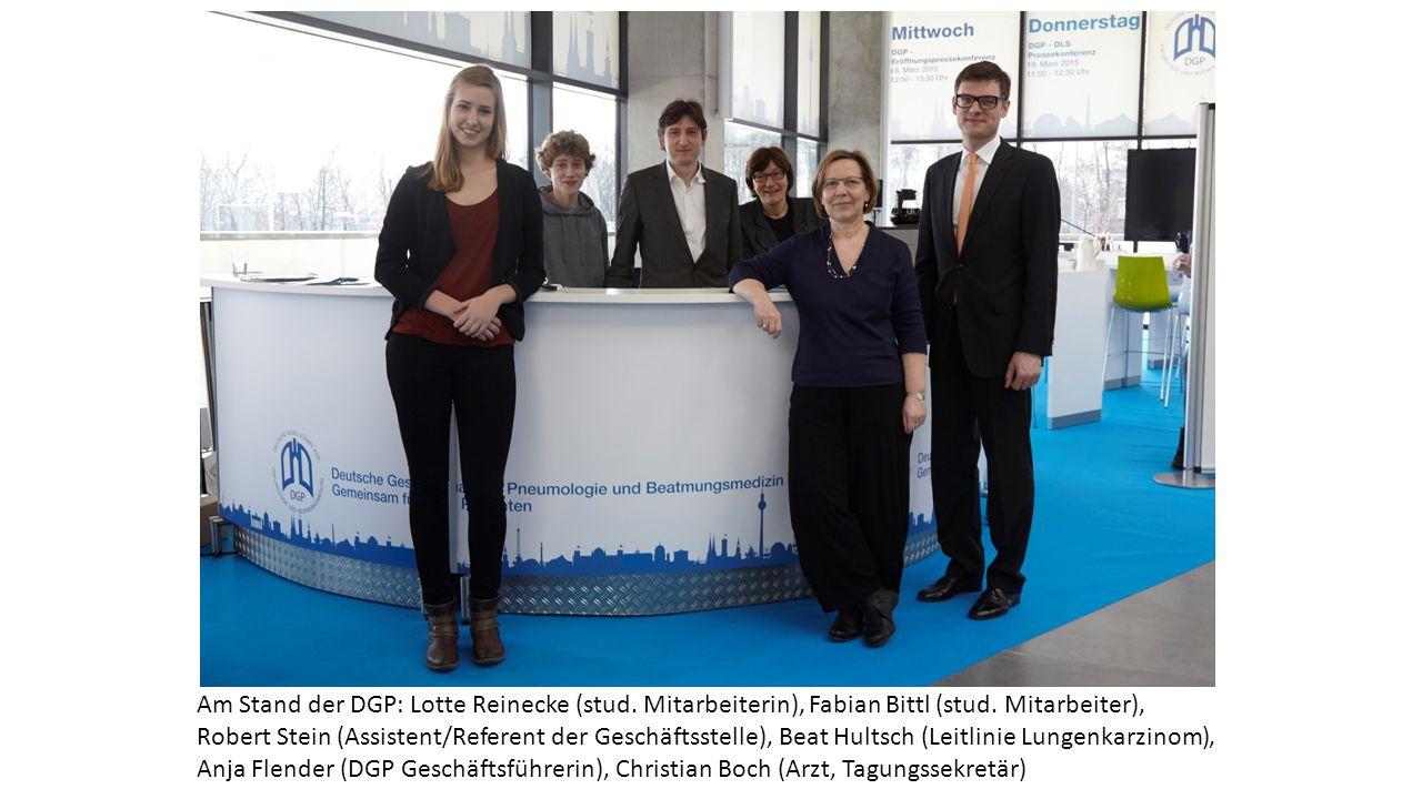 Am Stand der DGP: Lotte Reinecke (stud. Mitarbeiterin), Fabian Bittl (stud. Mitarbeiter), Robert Stein (Assistent/Referent der Geschäftsstelle), Beat