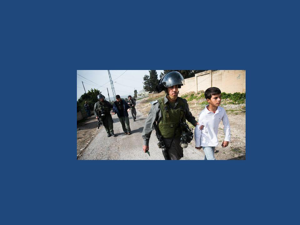 wurde auf dem Schulweg wegen Verdacht auf Steinewerfen verhaftet und bisher 2 Monate in Haft gehalten (28.1.15)