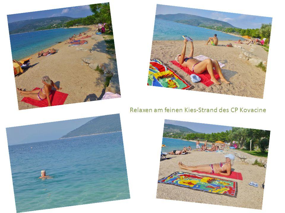 Relaxen am feinen Kies-Strand des CP Kovacine