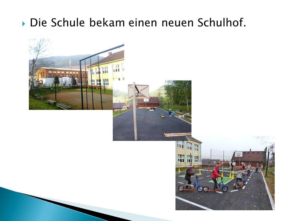  Die Schule bekam einen neuen Schulhof.