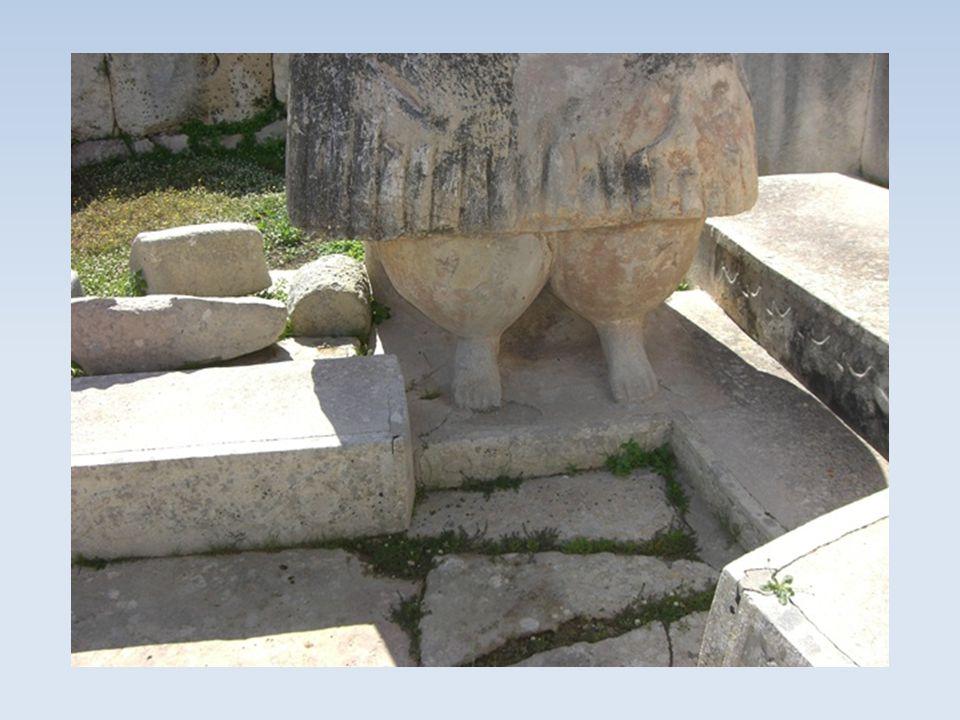 Tempel von Tarxien Die Tempel sollen aus der Zeit zwischen 3800 und 2800 vor Chr.