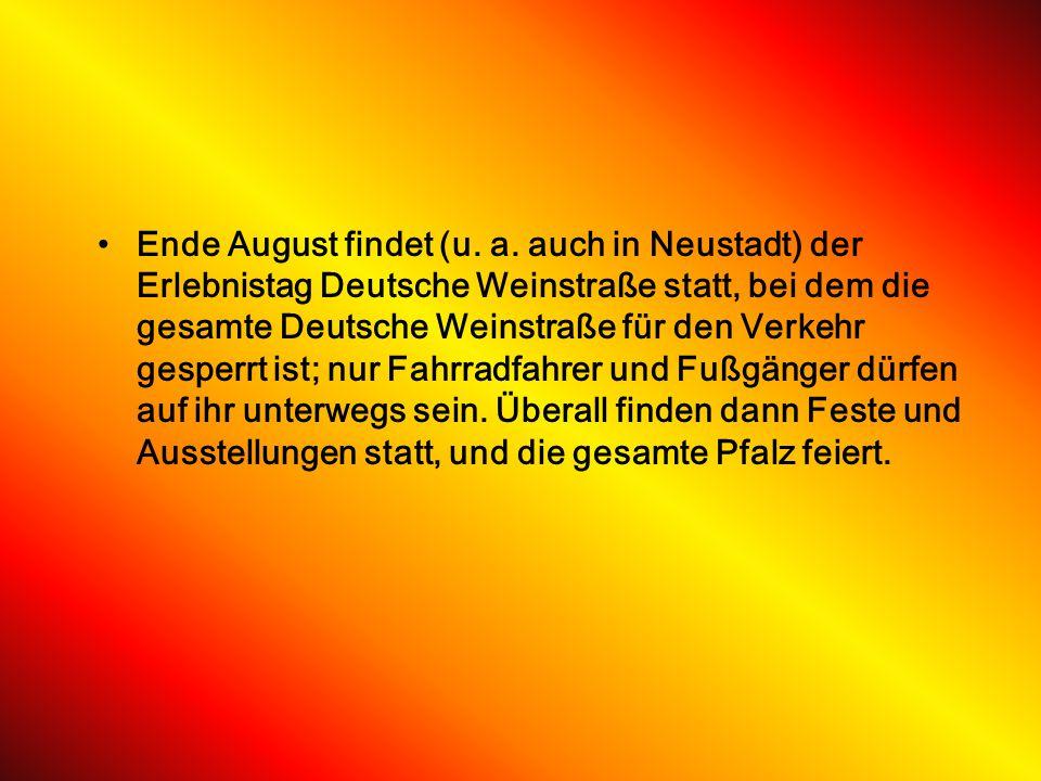 FesteFeste In Neustadt wird im Rahmen des Deutschen Weinlesefestes seit 1949 die Deutsche Weinkönigin gewählt und gekrönt. Höhepunkt des Festes, das t