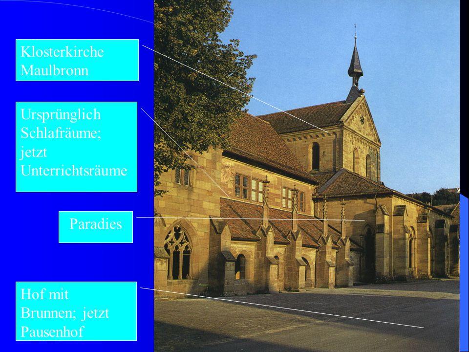5 (5) Auf dem mächtigen Dach der Kirche reitet ein nadelspitzes, humoristisches Türmchen, von dem man nicht begreift, wie es eine Glocke tragen soll.