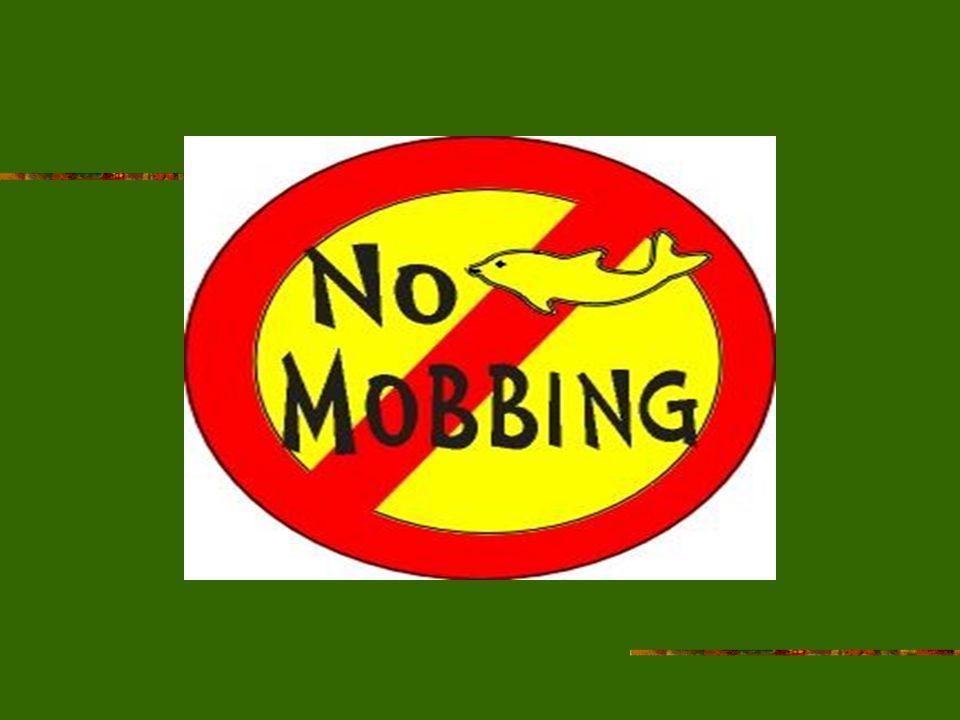 Ein Beispiel zu Mobbing Ute läuft von der Schule nach Hause.