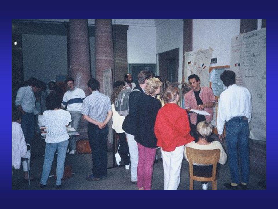 Gruppe 40: Die vier Weisen TeilnehmerInnen Musseleck, Uwe uwe.musseleck@gmx.de Hohmann, Bruno bruno.hohmann@main- rhainer.de Lange, Jörg snake77@gmx.de Seibel, Michael mseibel@wiwi.uni-frankfurt.de Gruppenhomepage