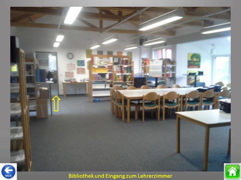 Bibliothek und Eingang zum Lehrerzimmer