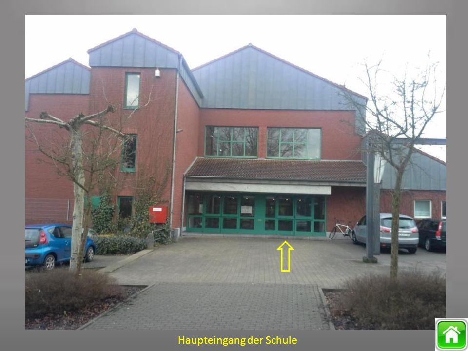 Haupteingang der Schule