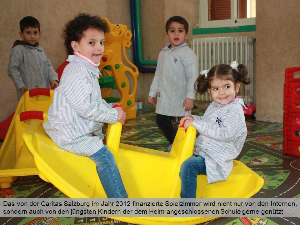 Das von der Caritas Salzburg im Jahr 2012 finanzierte Spielzimmer wird nicht nur von den Internen, sondern auch von den jüngsten Kindern der dem Heim