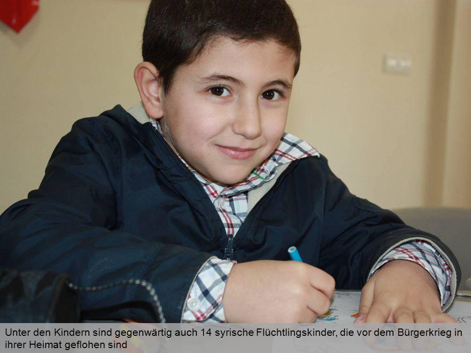 Unter den Kindern sind gegenwärtig auch 14 syrische Flüchtlingskinder, die vor dem Bürgerkrieg in ihrer Heimat geflohen sind
