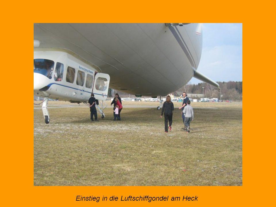 Zeppelin-Flug - fast geräuschlos über den Bodensee, Logenplatz am Himmel. 75 Meter lang, fast 20 Meter breit und 17,4 Meter hoch ist der Zeppelin