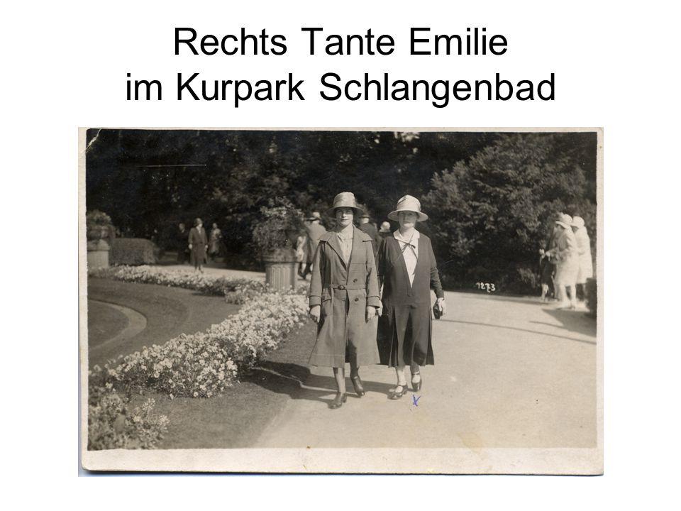 Rechts Tante Emilie im Kurpark Schlangenbad