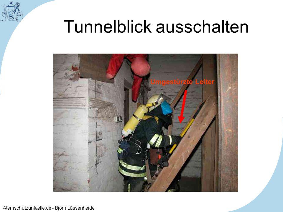 Atemschutzunfaelle.de - Björn Lüssenheide Tunnelblick ausschalten Umgestürzte Leiter
