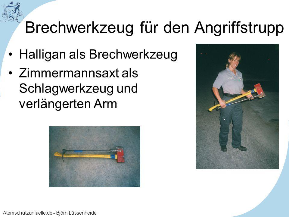 Atemschutzunfaelle.de - Björn Lüssenheide Brechwerkzeug für den Angriffstrupp Halligan als Brechwerkzeug Zimmermannsaxt als Schlagwerkzeug und verläng