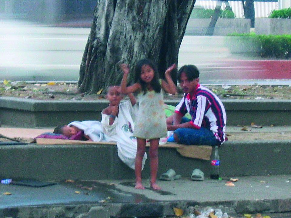 Es gibt einige Hilfsaktionen für Straßenkinder auf der ganzen Welt, jedoch benötigen auch diese gewisse Hilfe.