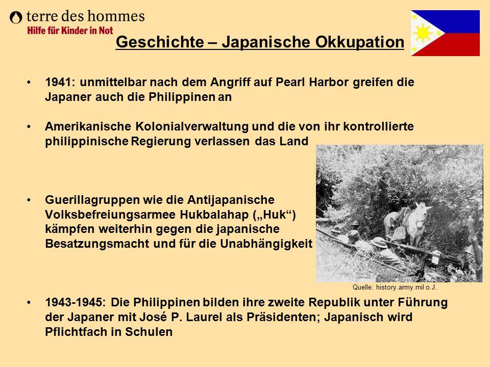 1941: unmittelbar nach dem Angriff auf Pearl Harbor greifen die Japaner auch die Philippinen an Amerikanische Kolonialverwaltung und die von ihr kontr
