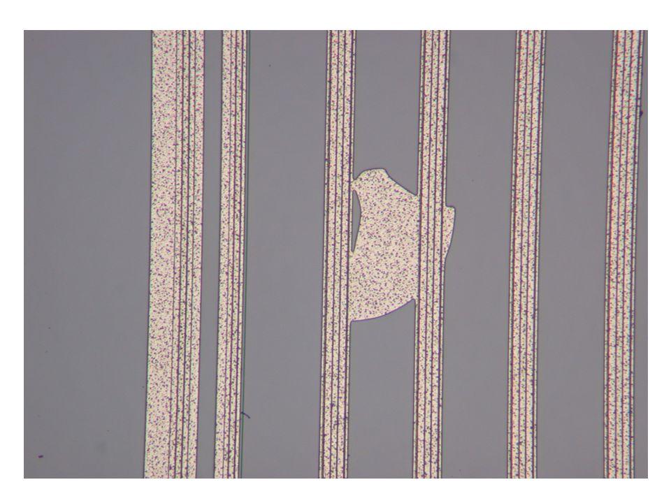 Die häufigsten Fehler Kratzer => Kurzschluss Verätzungen Abgebrochene und eingedrückte Ecken Zu oft geprüfte AC Bonding Pads Schmutz Widerstände unterbrochen oder zerkratzt Ineinander verschmolzene Bahnen (Durch Aluminiumrückstände verursacht) Beschädigte Kante