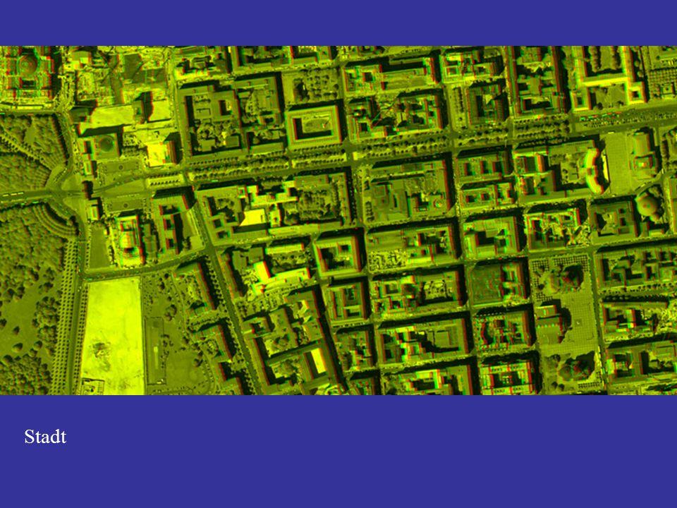Geometrische Auflösung (Instantaneous Field of View … IFOV) Sat.: NOAA, Meteosat < 1:500.000extrem gering auflösend > 250 Sat.: Landsat MSS, IRS WIFS 1:100.000 – 1:500.000sehr gering auflösend 50 – 250 Sat.: Landsat ETM, IRS LISS, MODIS, Aster 1:25.000 – 1:100.000gering auflösend12 – 50 Sat.: IRS pan, SPOT5 1:15.000 – 1:25.000mittel auflösend4 – 12 Sat.: Quickbird ms, Ikonos ms; Flugz.: Daedalus 1:10.000 – 1:15.000hoch auflösend1 – 4 Satellitensensoren: Quickbird pan, Ikonos pan 1:5.000 – 1:10.000sehr hoch auflösend 0,5 – 1,0 Flugzeugscanner, HRSC, ADS40, DMC; RMK 1:500 – 1:5.000extrem hoch auflösend 0,1 - 0,5 FE-SensorMaßstabBezeichnungAuflösung (m)