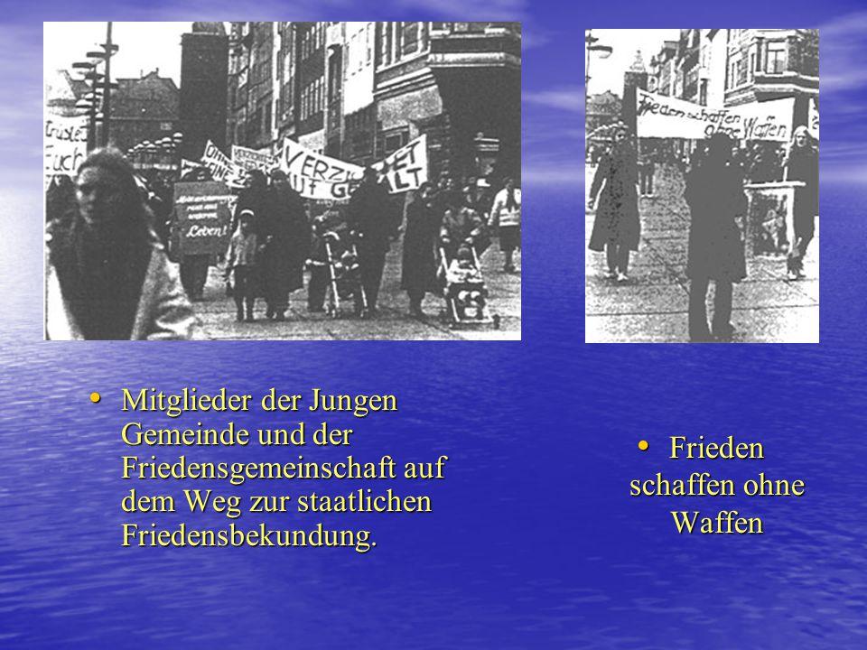 Opposition in den 80er Jahren 1982/83 unabhängige Friedensbewegung(2 ) Offizielle Gründung der Friedensgemeinschaft nach den Haftentlastungen Offiziel