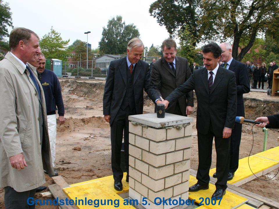 Seite 21 Grundsteinlegung am 5. Oktober 2007