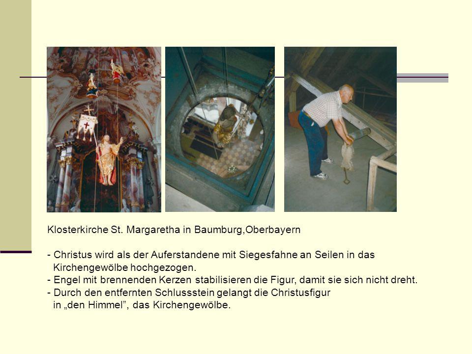 Klosterkirche St. Margaretha in Baumburg,Oberbayern - Christus wird als der Auferstandene mit Siegesfahne an Seilen in das Kirchengewölbe hochgezogen.