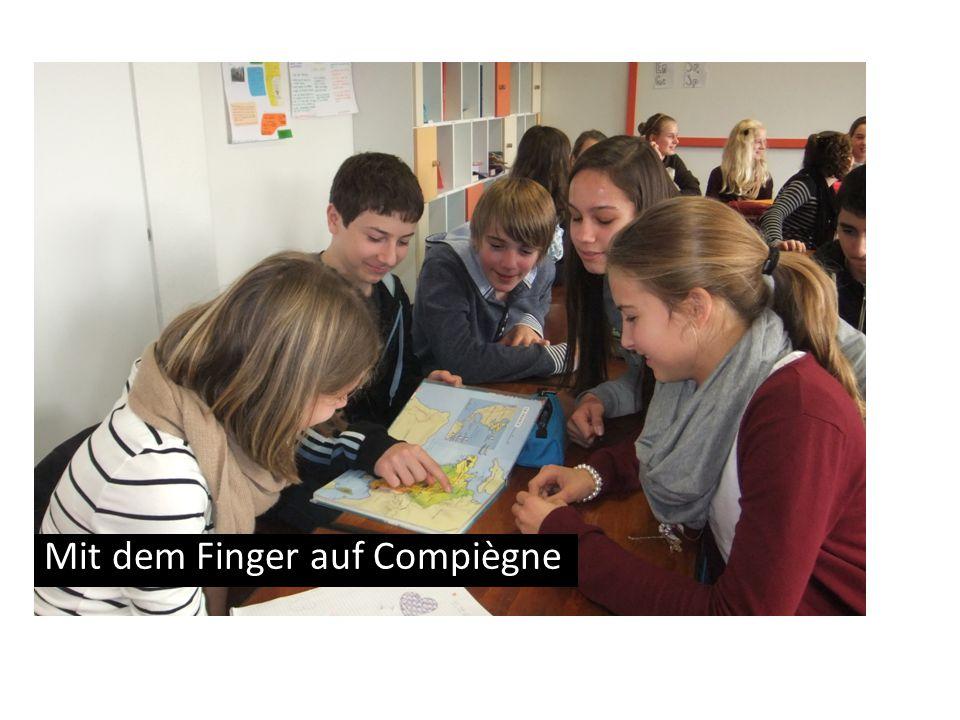 Mit dem Finger auf Compiègne