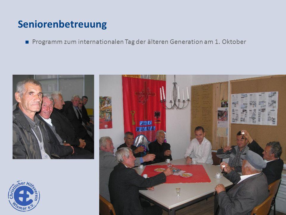 Seniorenbetreuung Programm zum internationalen Tag der älteren Generation am 1. Oktober